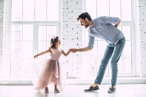 Father-Daughter-Dance-GettyImages-956002754